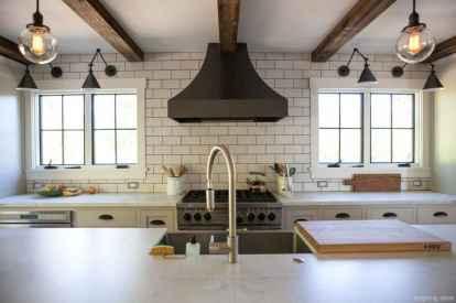 Modern Farmhouse Kitchen Backsplash Design Ideas 18