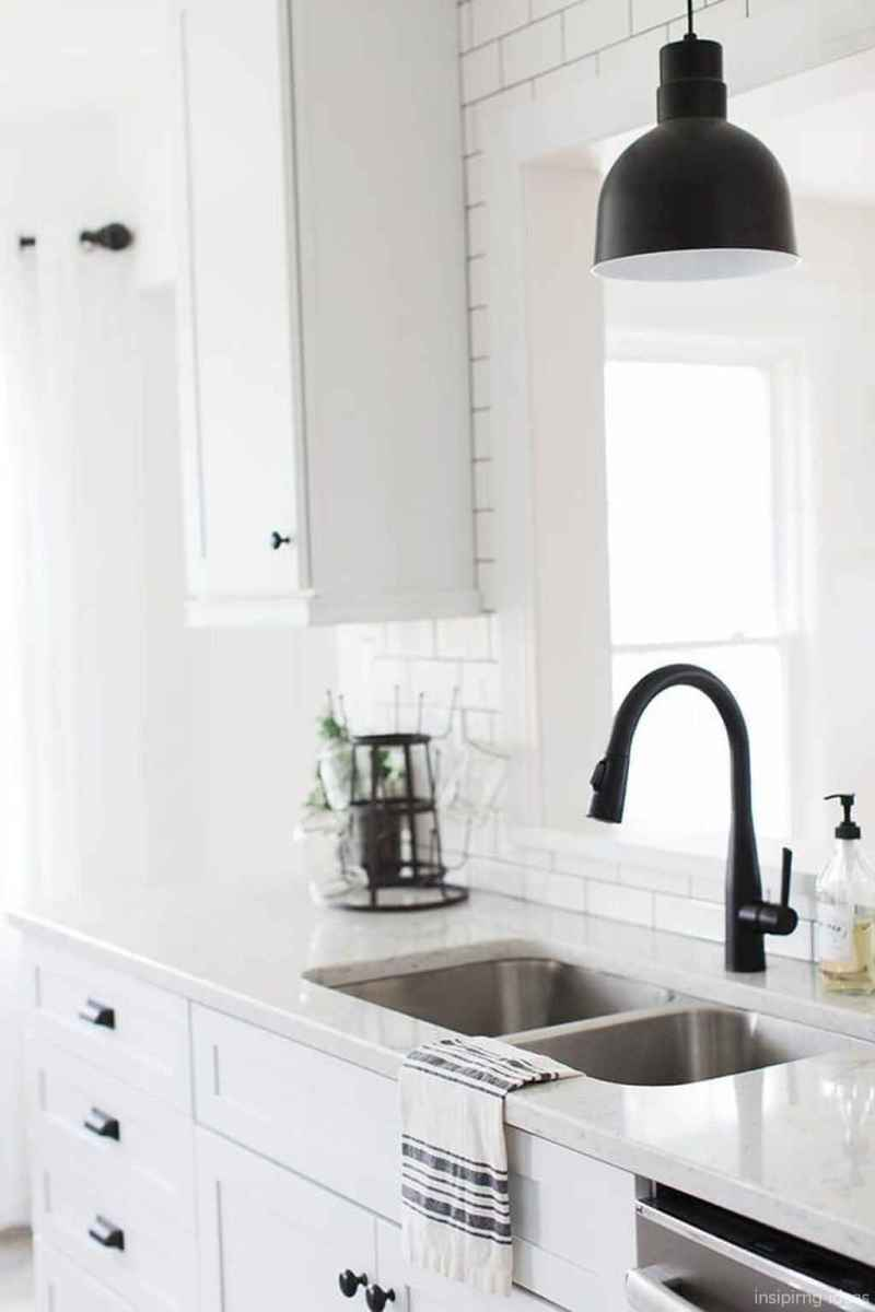 Modern Farmhouse Kitchen Backsplash Design Ideas 24