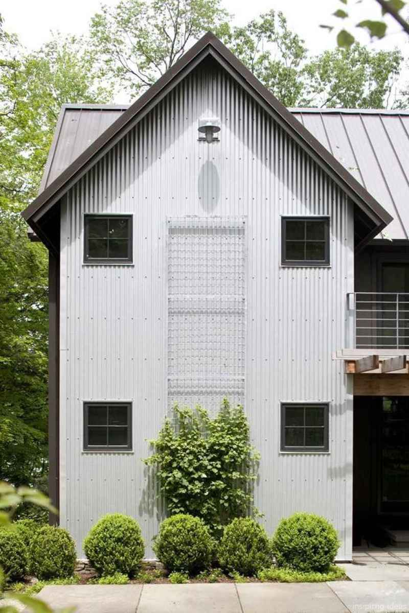 Simple Modern Farmhouse Exterior Design Ideas 06
