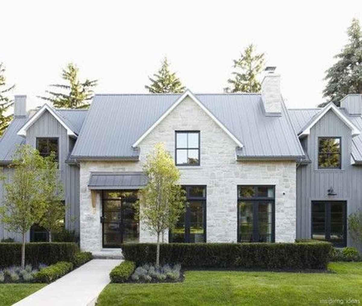 Simple Modern Farmhouse Exterior Design Ideas 29