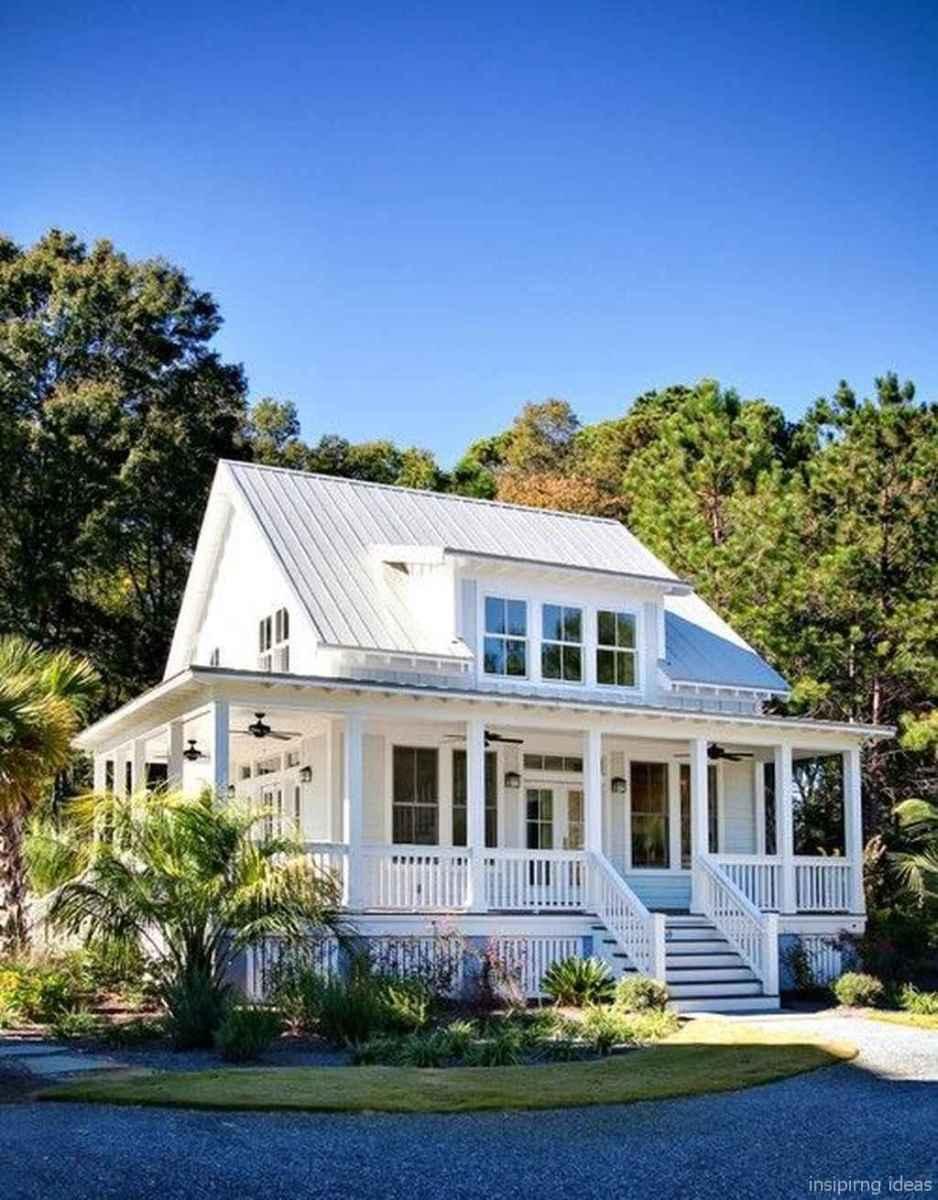 Simple Modern Farmhouse Exterior Design Ideas 48
