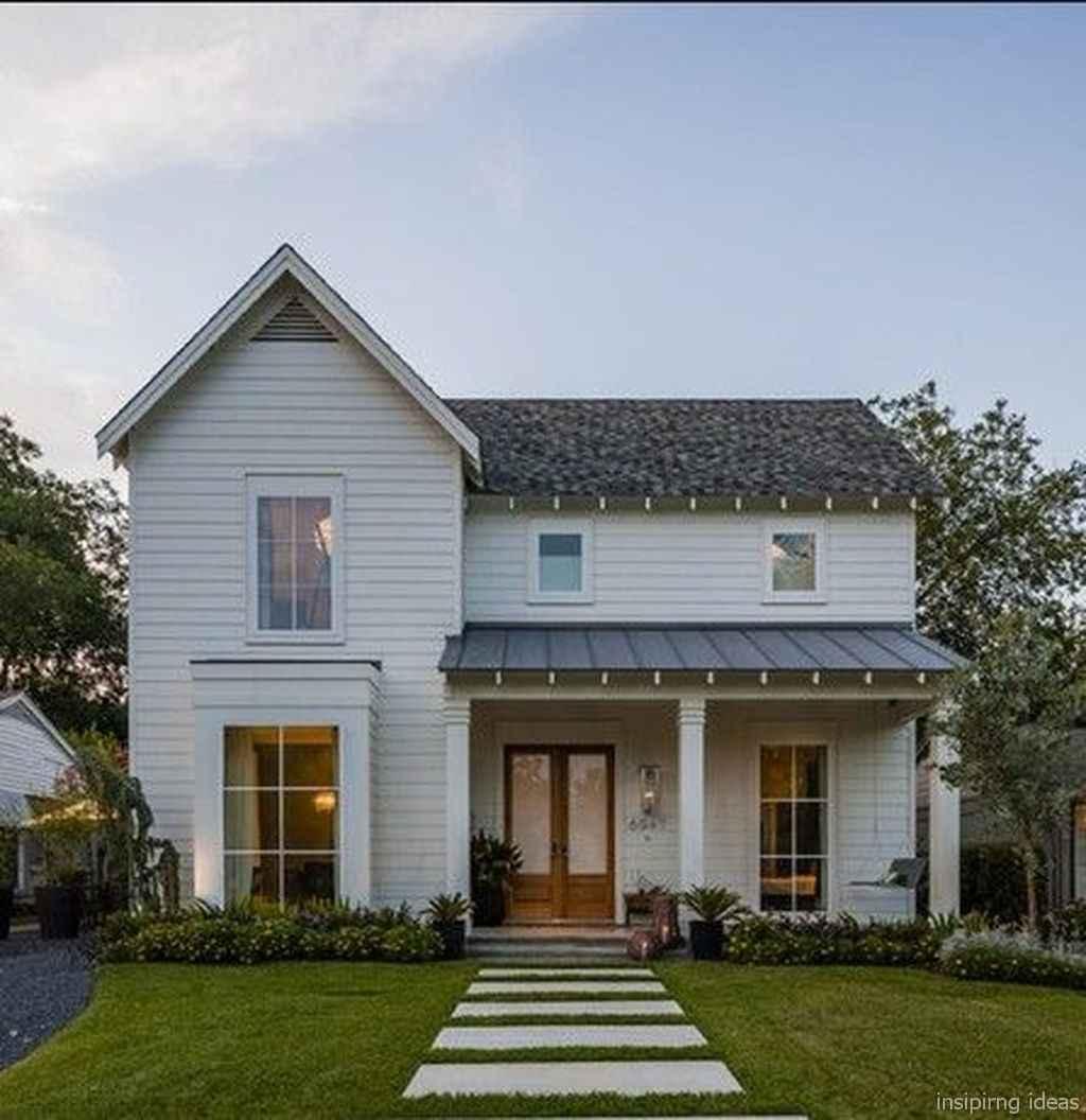 Simple Modern Farmhouse Exterior Design Ideas 53