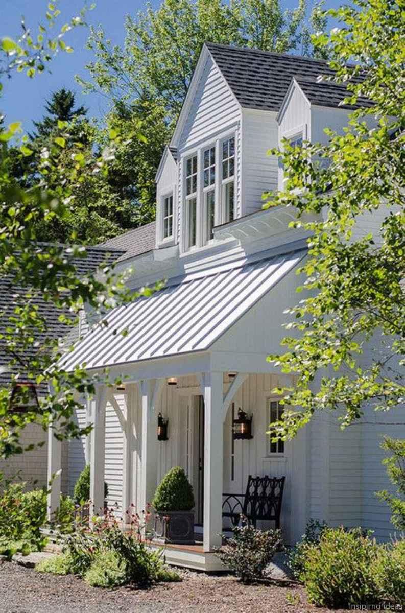 Simple Modern Farmhouse Exterior Design Ideas 54