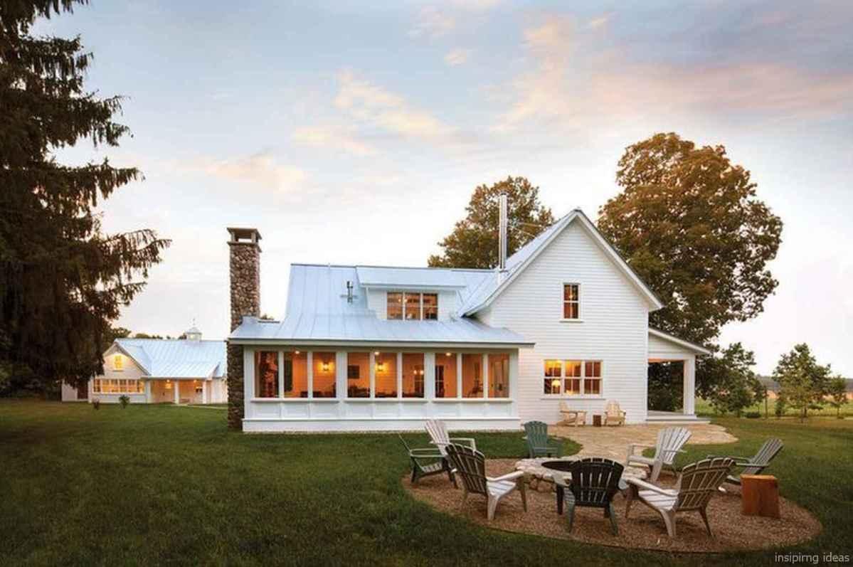 Simple Modern Farmhouse Exterior Design Ideas 62