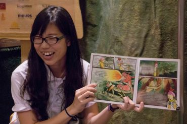 Amanda, a volunteer with the NUS Toddycats, tells a story of Max discovering the wonders of MacRitchie Forest.