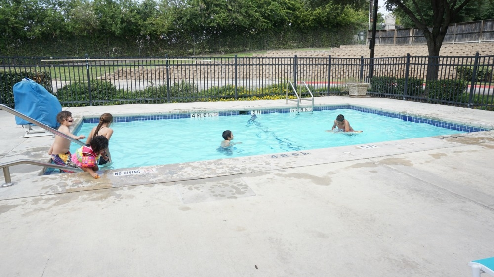 kids-pool-esa
