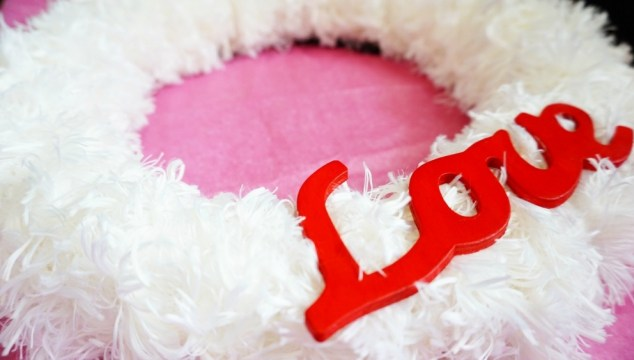 The Easiest Valentine's Day Wreath DIY
