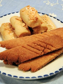 Karamelsmåkage og Finsk brød