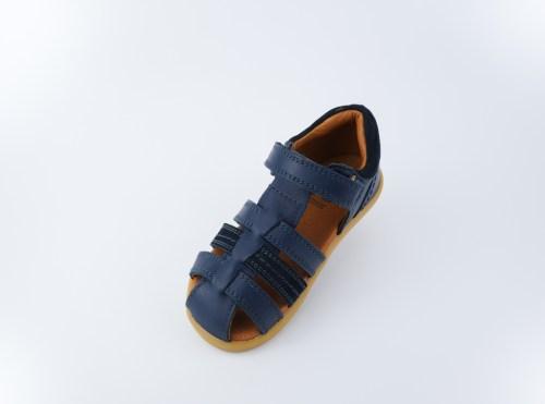 Bobux Step Up Roam closed sandal (navy)