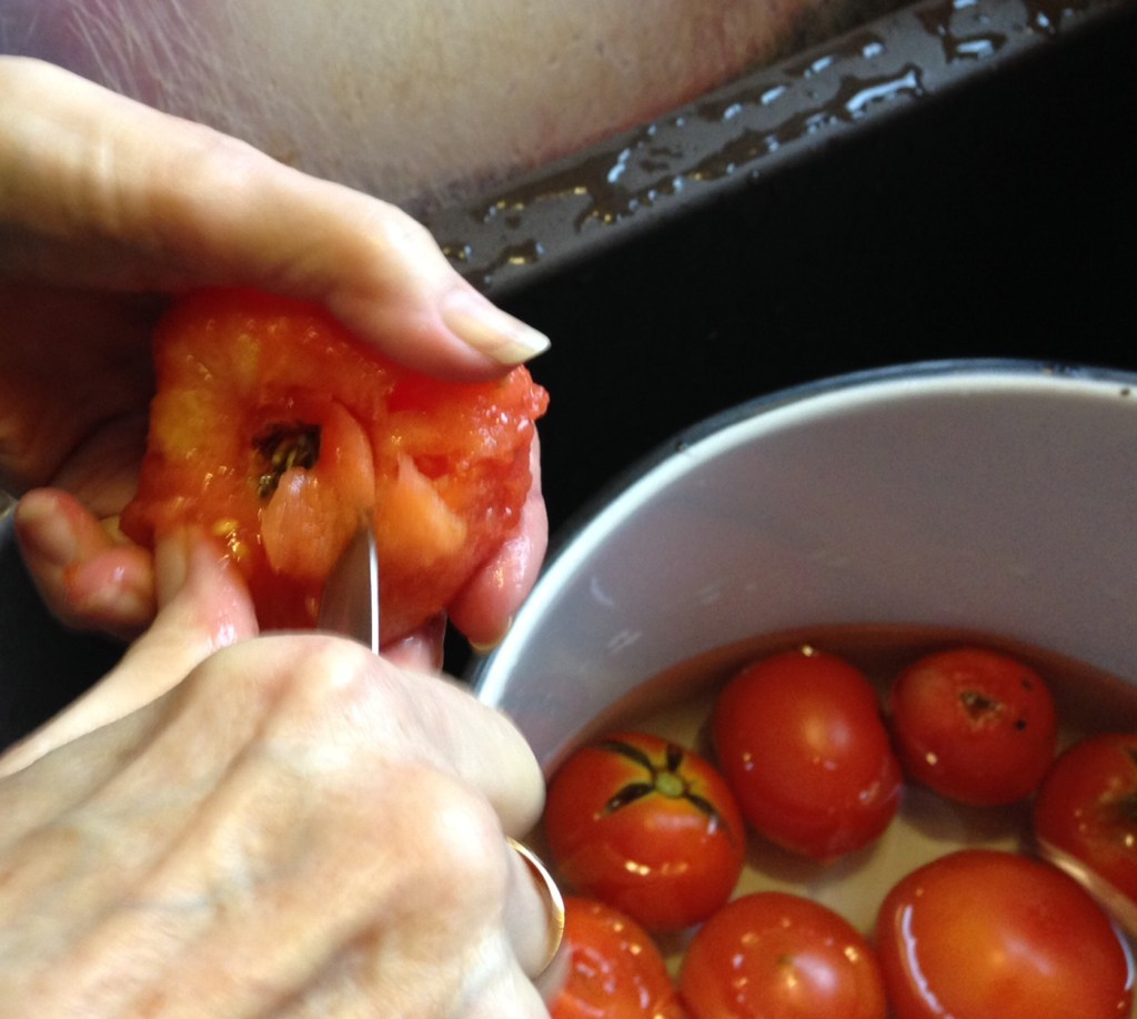 Canning Tomatoes {Love My DIY Home}