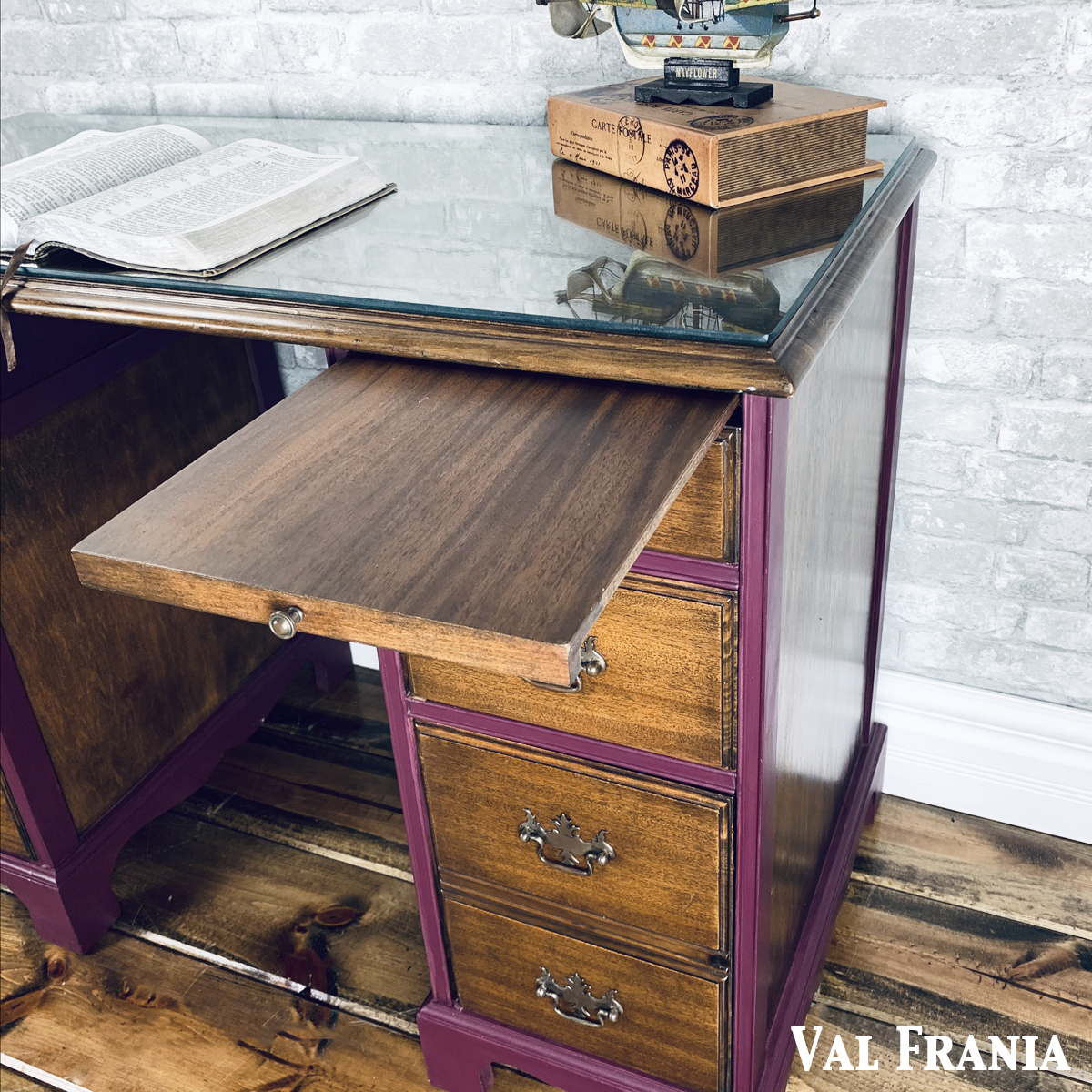 Thomas Desk pull out drawer