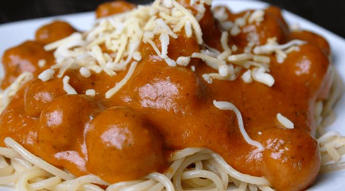 Spaghettisaus met balletjes gehakt