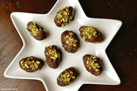 gevulde dadels met roomkaas en pure chocolade 5