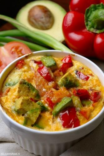 Lunchpotje met ei, avocado en groenten 4