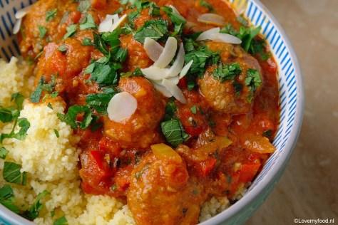marokkaanse-gehaktballetjes-met-tomatensaus-1