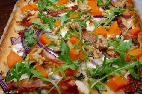 pizza-met-pompoen-een-geitenkaas-3