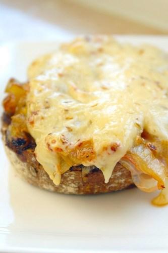 warm-broodje-met-ham-witlof-en-komijnekaas-4