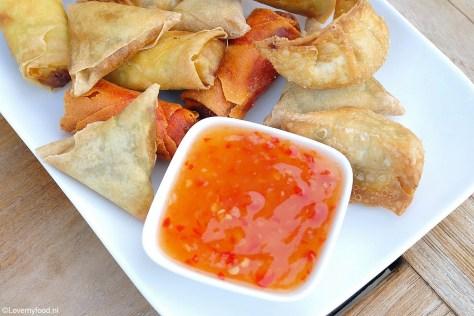 Eenvoudig recept voor zelfgemaakte chilisaus