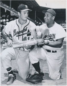 Roy Campanella and Eddie Mathews pose for a photo before the 1952 All-Star game.