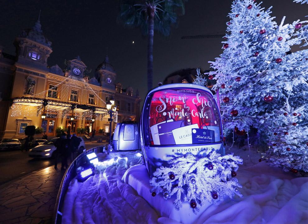 В Монако тепло, но Новый год чувствуется