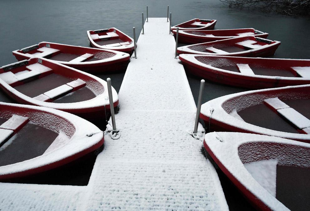 Снежные лодки в Кельне, Германия