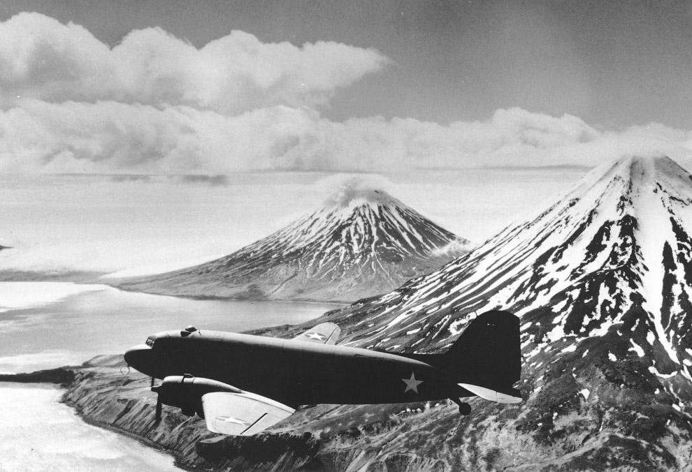 Самолет времен Второй мировой войны на Алеутском фронте