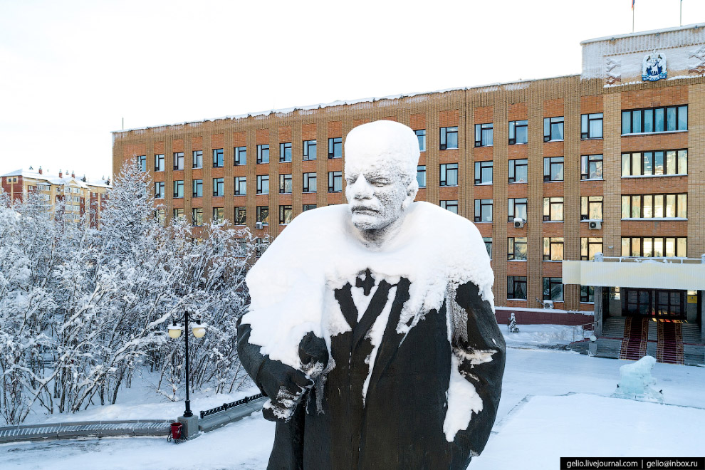 Озябший Ленин