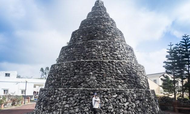 澎湖(ポンフー)にたくさんある「石塔」は村の守り神