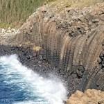 まるで海に流れ落ちる滝のような玄武岩。澎湖(ポンフー)の池西岩瀑!