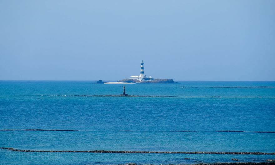 澎湖(ポンフー)の離島「吉貝(ジーベイ)」から「目斗嶼」を眺める
