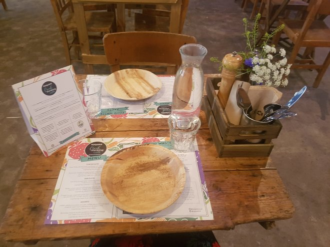 Hotpoint fresh thinking cafe table