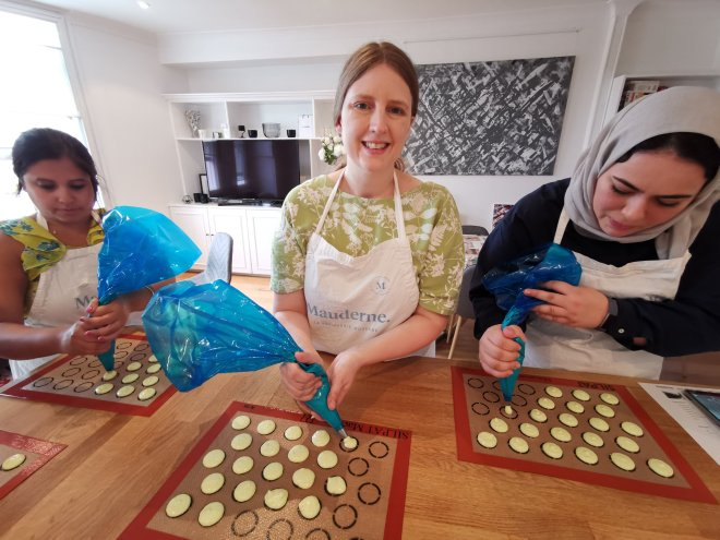 Mauderne Baking Class making macarons