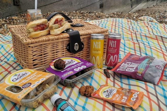 GIFTA - Vegan food picnic time