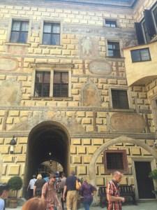 Day Trip Cesky Krumlov Castle view courtyard