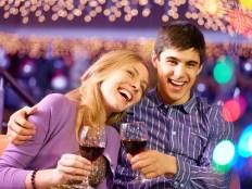 デートを楽しむ男女