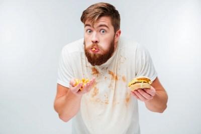 食べ方が汚い男