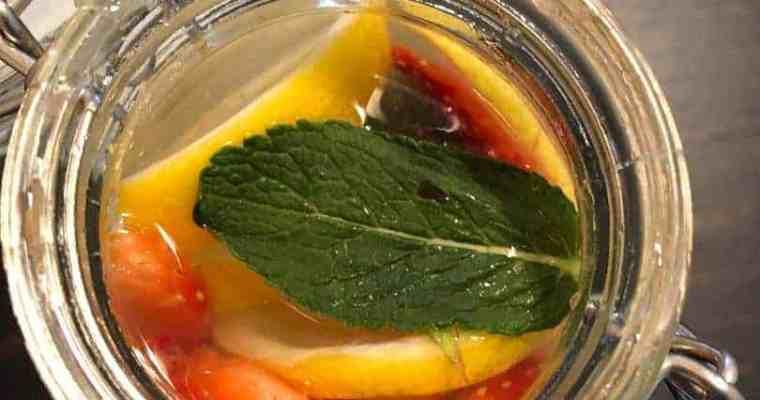 Keto Strawberry-Mint Lemonade