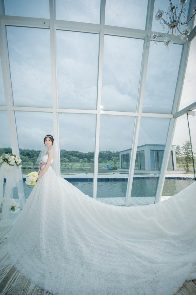 磅礡氣勢的頂級蓬裙白紗
