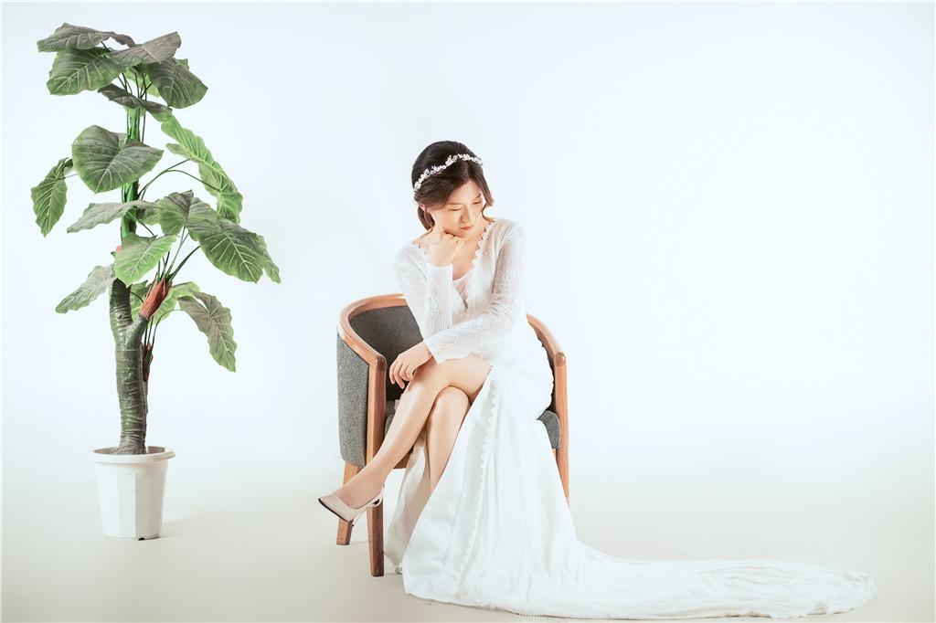 1+1手工婚紗 多樣豐富的商品攝影方案 婚紗禮服推薦