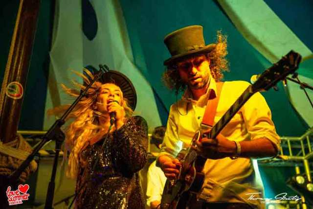 Love-Summer-Festival----Electric-Swing-Circus-(27)