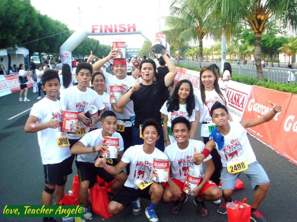 Teacher Sports Fest: Everyone is a Happy Family at Alaska World Milk Day Family Run 2015