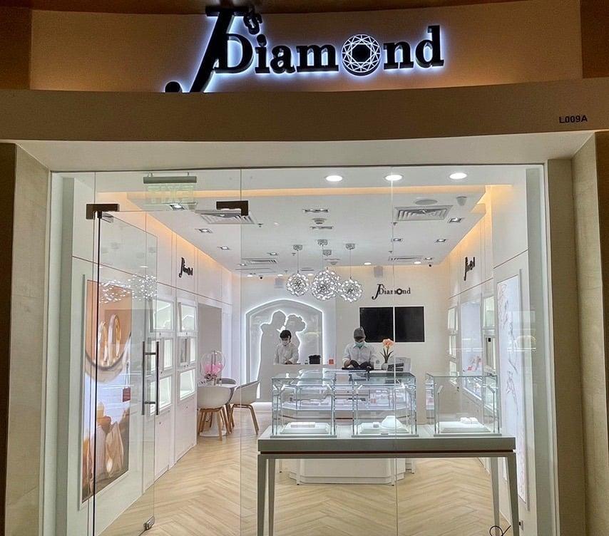 J's Diamond