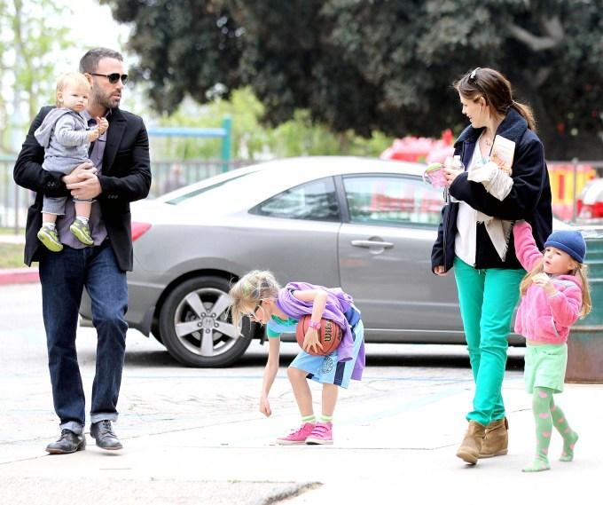 Ben Affleck met Violet, Seraphina & Samuel