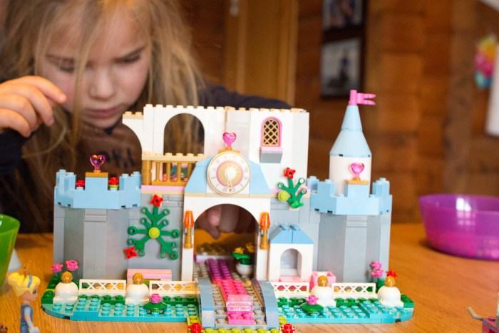 Eva's kerstcadeau. Het kasteel van Assepoester. Wat een plezier heeft ze er de afgelopen dagen van gehad.