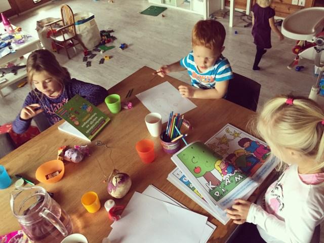 We kregen de kinderen van een vriendin te spelen. Zo gezellig!