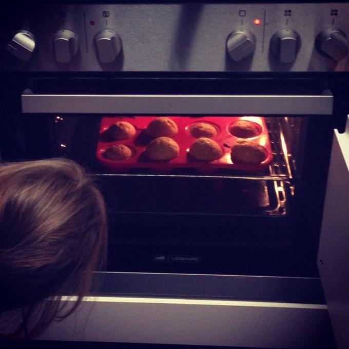 En omdat Liza 8 maanden was geworden, moesten we cakejes maken.