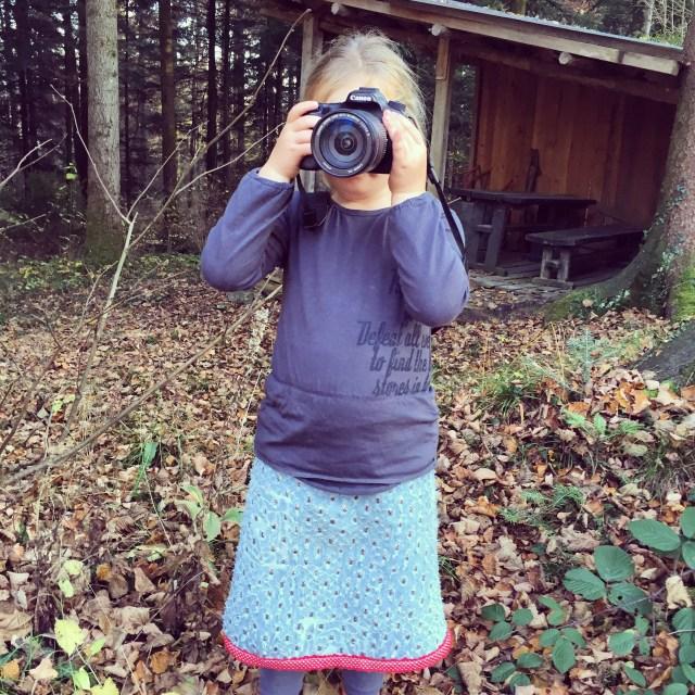 Kijk die fotografe in Spe nou! Het rokje werd gemaakt door Sabbyschoice.nl