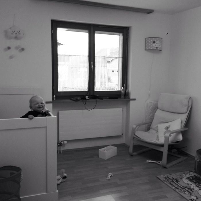 Donderdag hang ik Liza's nieuwe lamp op. Zo ziet haar kamertje eruit.