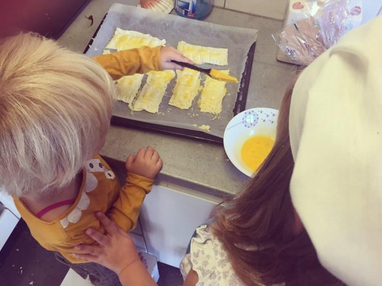 Dinsdag maken we voor de lunch kaasbroodjes