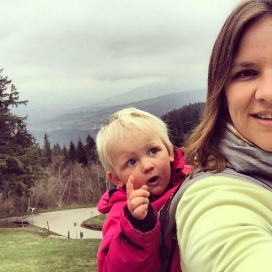 Nadat we waren opgewarm nam ik Liza op mijn rug en gingen we nog het wildpark bekijken.